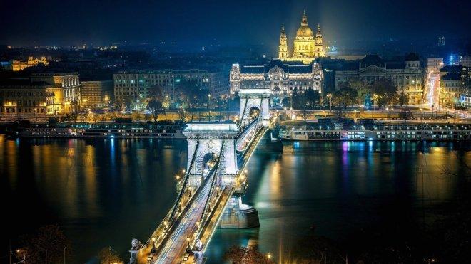 wallpaper-danube-river-in-budapest